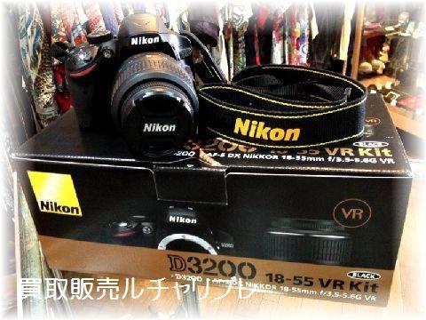 ニコン D3200 18-55 VR KIT BLACK